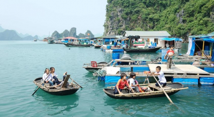 "Cua Van Fishing Village listed as ""insanely beautiful"""