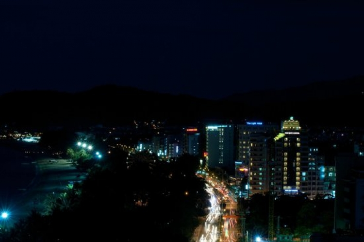 Nha Trang to offer the night swimming beach