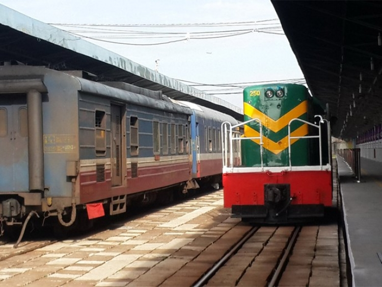 Opening railway from Ho Chi Minh city to Thap Cham