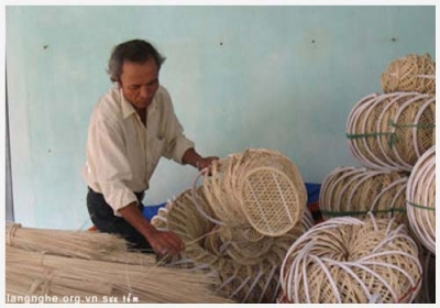 Vinh Ba Weaving Village