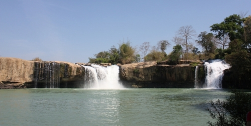 Gialong Waterfall- a majestic and wild beauty