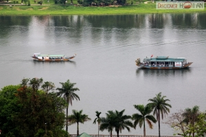 Huong river, Ngu mountain reflect Hue's romantic beauty