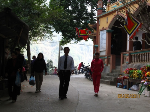 Tham Temple to Worship a Brave Woman